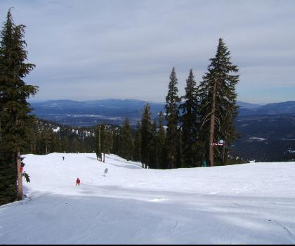 skiing-trails-near-Northstar California in Lake Tahoe, California Ski Resort