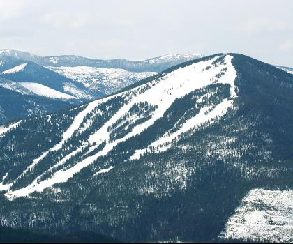 skiing-trails-near-Diamond Peak
