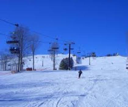 skiing-trails-near-Mount St. Louis Moonstone