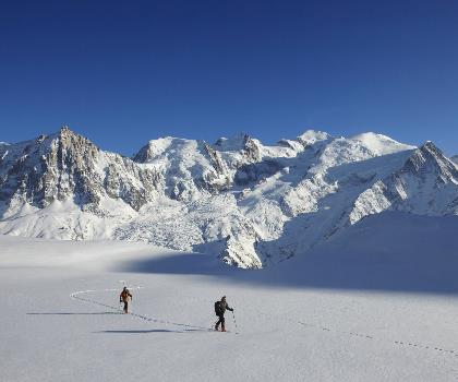 skiing-trails-near-Mont Blanc