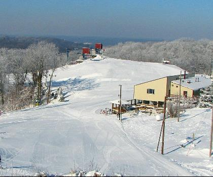 skiing-trails-near-Chestnut Mountain Resort