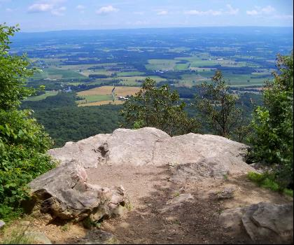 hiking-trails-USA-Rockhouse Mountain, New York