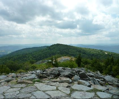 hiking-trails-near-Briery Knob, West Virginia