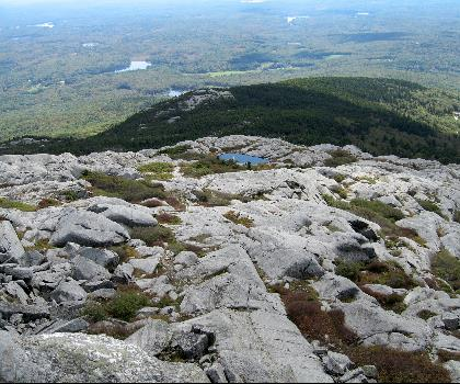 hiking-trails-near-Grand Monadnock, New Hampshire