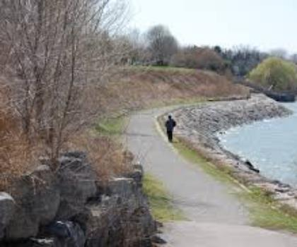 hiking-trails-Canada-Lake Ontario Waterfront Trail