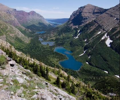 hiking-trails-near-Swiftcurrent Pass from Many Glacier (Montana)