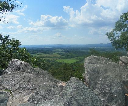 hiking-trails-near-Sugarloaf Mountain, Maryland