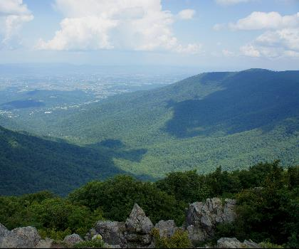 hiking-trails-near-Nakedtop, Virginia